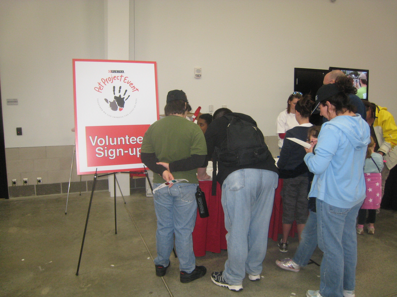 Volunteers signing up for the shelter makeover project